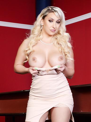 Nina Kayy - XXX Pornstar