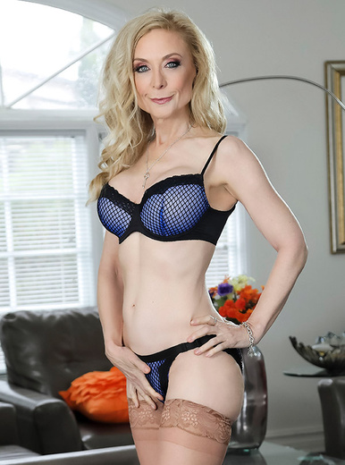 Nina Hartley - XXX Pornstar