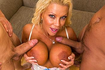 blonde gros seins