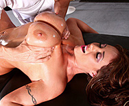 Huge Tits on the Receptionist - Eva Notty - 2