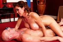 Kianna Dior &amp;...