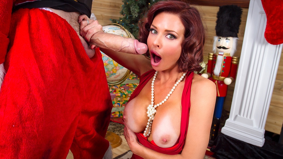 Squirting On Santa – Veronica Avluv & Danny D