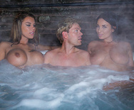Storm of Kings XXX Parody: Behind the Scenes - Anissa Kate - Aruba Jasmine - Peta Jensen - 1